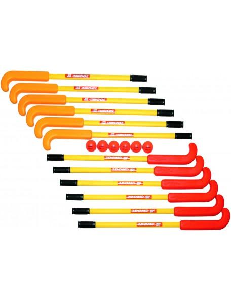 Crosses de hockey Supersafe de marque Dom pour les jeux sportifs collectifs scolaires de hockey.