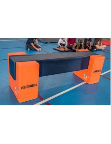 Poutre carrée Sarneige gymnastique pour l'initiation à la gym des enfants en milieu scolaire et en club