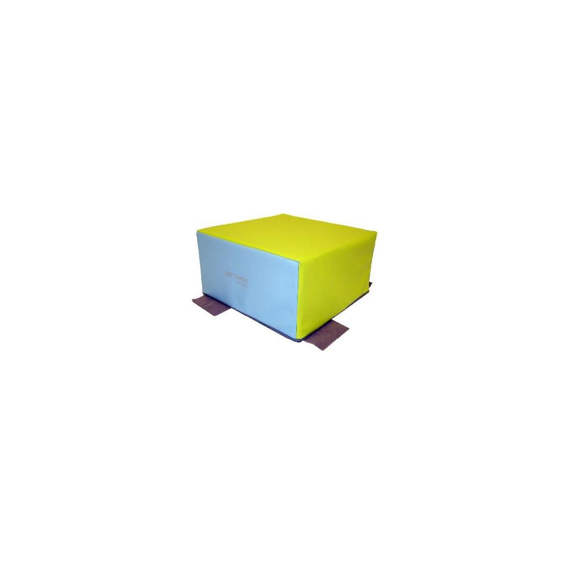 Cube de motricité Sarneige pour bébés en crèche