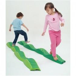 Rivière de sensations tactile pour l'équilibre des enfants
